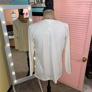 krazy kat Tops - Off White Pleated Blouse